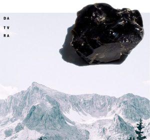 obra de Mariana Gallay inspirada en Micrófonos de Obsidiana
