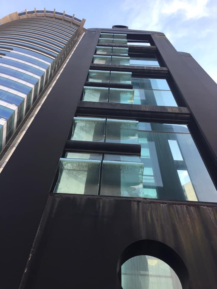 ÁGUEDA DICANCRO - Conjunto escultórico en Torre Antel - Foto - Daniel Benoit - Julio 2020 -