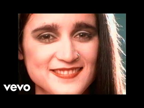 Music video by Julieta Venegas performing Cómo Sé. (C) 1997 BMG Entertainment Mexico, S.A. De C.V.