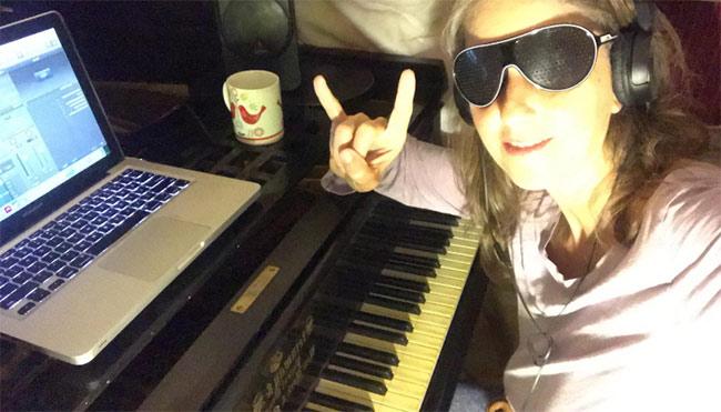 Adentro de mi piano Iglú - Queyi