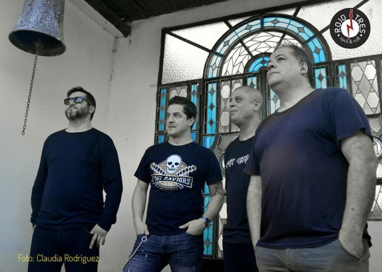 Fotografía Claudia Rodríguez SobreraFacebook Oficial de Rojo Tres-2