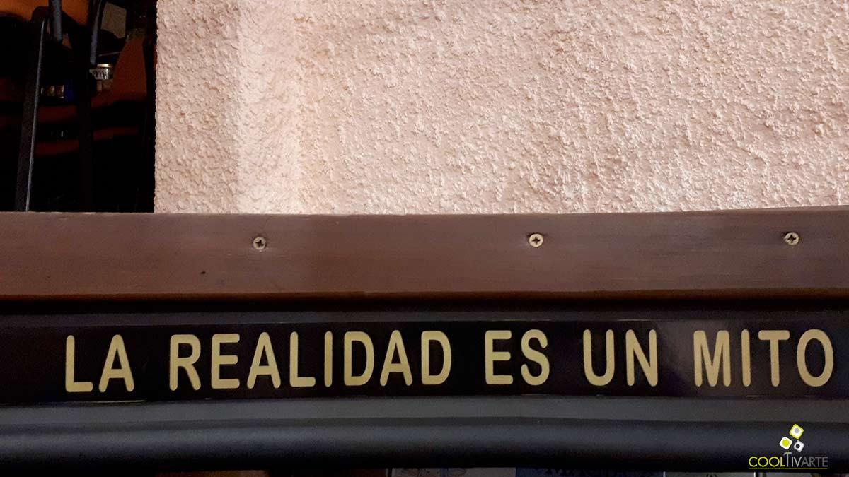 La realidad es un mito - Carte de biblioteca - Librería Mundos Invisible - Febrero 2020 - Foto © Federico Meneses