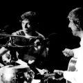 Grabado en vivo y editado en 1987, este disco es el registro más profesional del dúo que formaron, por el plazo de unos meses, Eduardo Mateo y Fernando Cabrera.