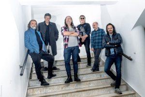Foto: Damián Cejas. Mateo x 6, de izquierda a derecha: Ney Peraza, Jorge Schellemberg, Mandrake Wolf, Popo Romano, Pitufo Lombardo y Martín Ibarburu.